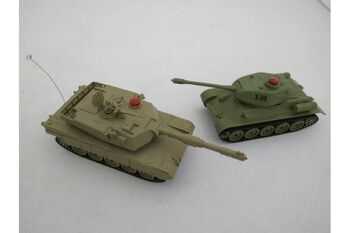 Радиоуправляемый танковый бой M1A2 PK vs Russia T-34 ZEGAN 33821 1:32 ИК